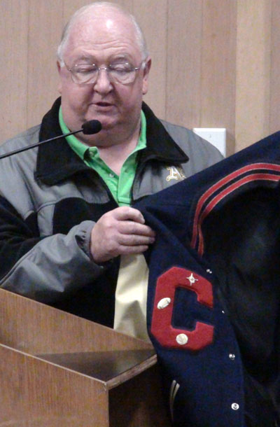 Town+Council+Issues+Proclamations+Recognizing+Fall+Sports