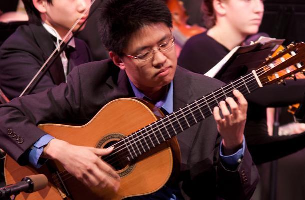 Orchestra+Concert+Features+Classical+Guitarist