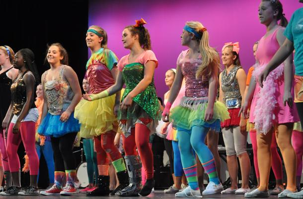 Women%27s+Chorale+sings+and+dances+to+their+Hannah+Montana+compilation+at+the+2013+Choir+Pops+Concert.+