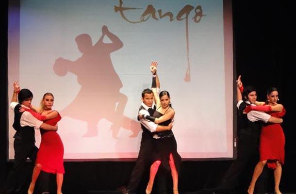 Spanish+Attends+Flamenco+Performance