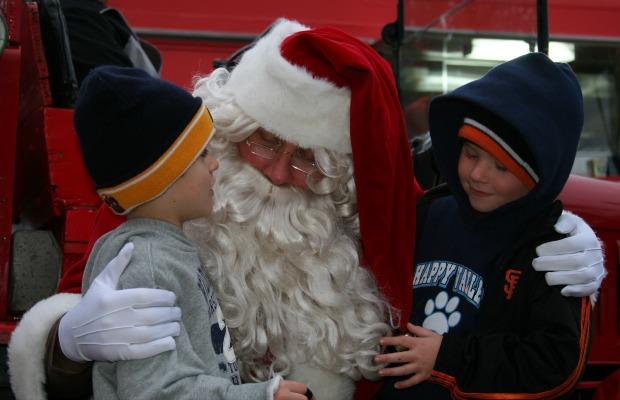 Santa+Visits+Lafayette+Plaza