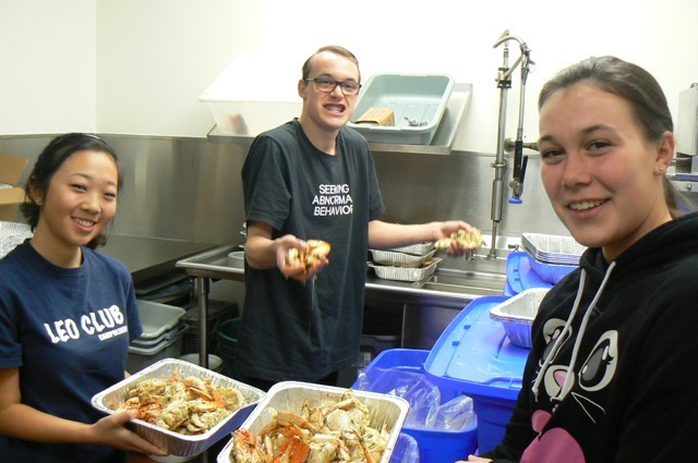 Leo+Club+Supports+Crab+Feed+Fundraiser