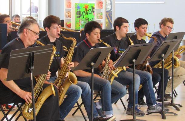 Jazz Players Visit Music Mecca