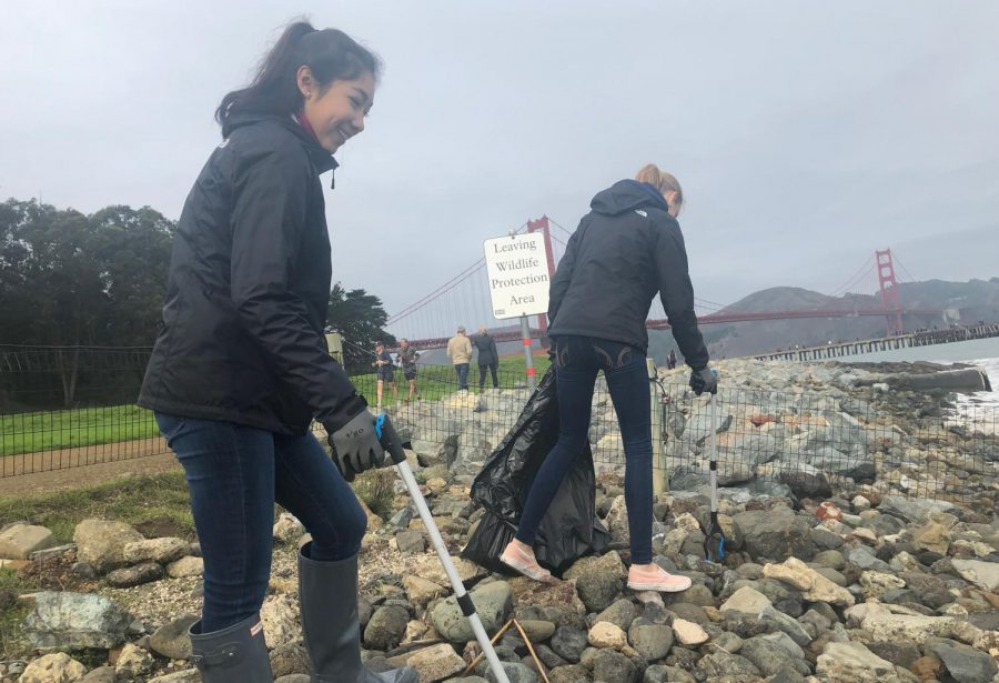 Club Cleans Crissy Field Beach Front
