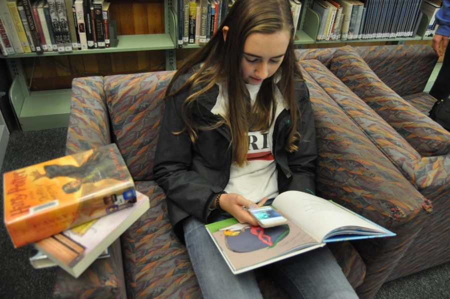 Reading+Culture+Waning+Among+Teens