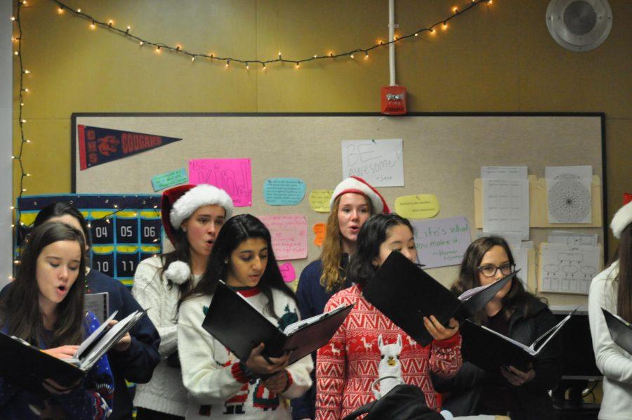 Choir Continues Campus Caroling Tradition