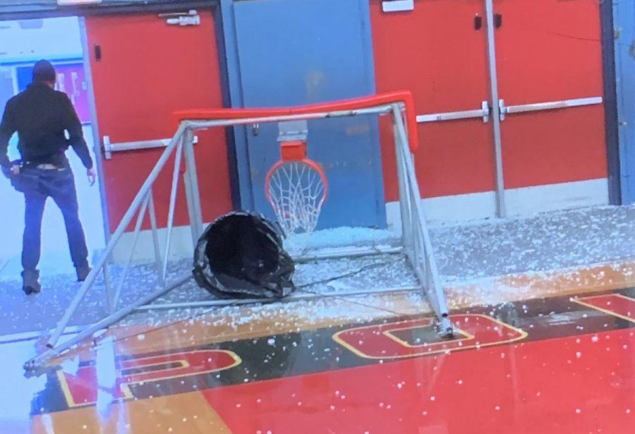 Broken+Hoop+Disrupts+Winter+Activities